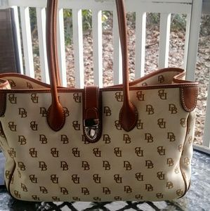 Large Dooney & Bourke tote